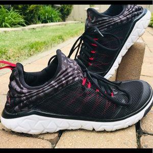 Jordan Flight Runner 2- Men's 9.5 black/red